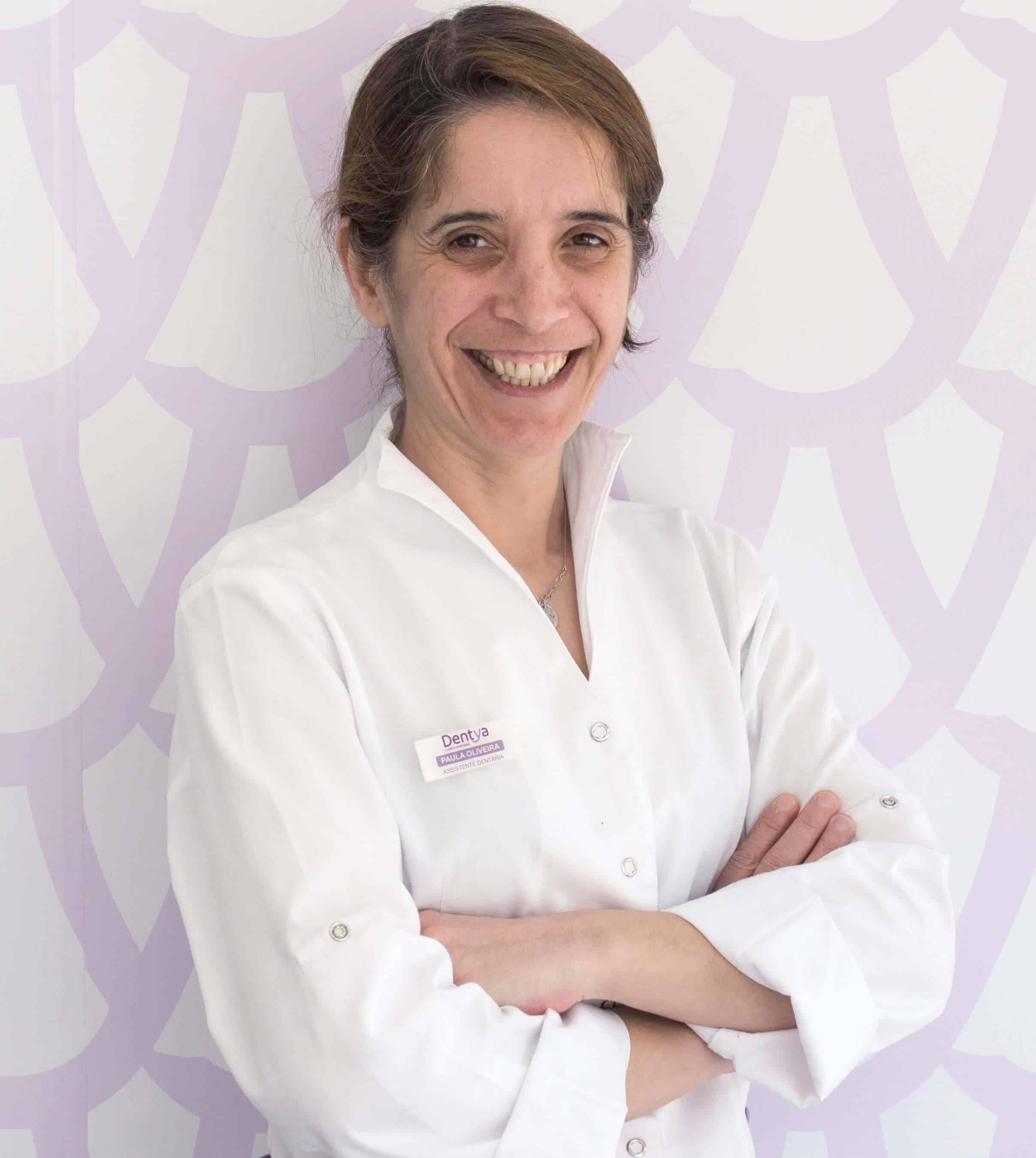Assistente dentária Paula Oliveira